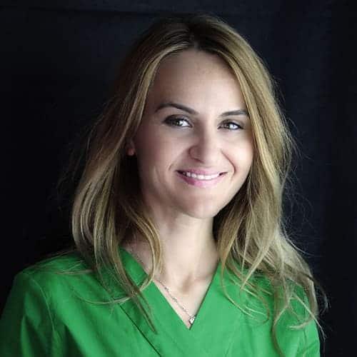 a propos du docteur roxana spataru chirurgien dentiste paris 16 chirurgie dentaire holistique paris 16 2